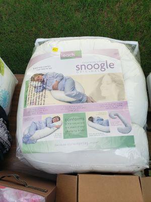 Snoogle pregnancy body pillow