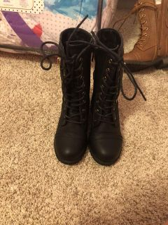 Combat style boots size 10 wore once
