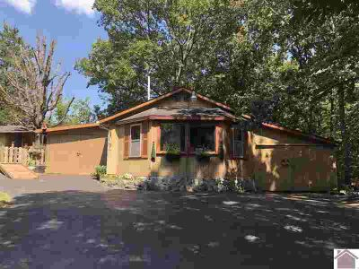 152 Buddy Lane MURRAY Two BR, This adorable lake area home is