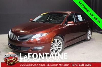 2016 Lincoln MKZ Base (red)