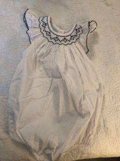 Smocked Auctions white bubble with navy smocking
