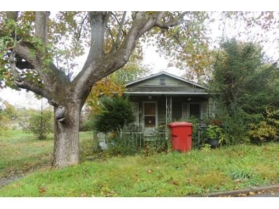 2 Bed 1 Bath Foreclosure Property in Johnson City, TN 37604 - Meridith St
