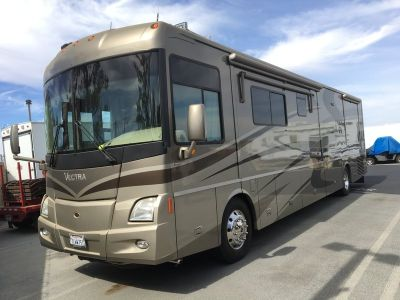 2005 Winnebago Vectra WKS40AD