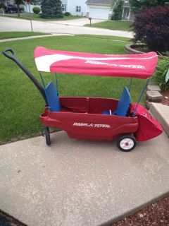 Radio Flyer wagon with canopy and storage bag