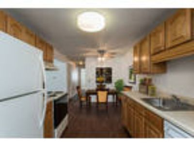 Perinton Manor Apartments - Two BR, 1.5 BA 1,027 sq. ft.