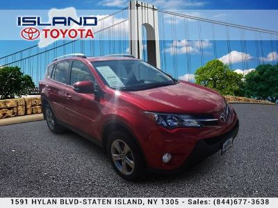 2015 Toyota RAV4 XLE (Barcelona Red Metallic)