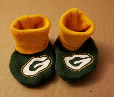 Green Bay Packers baby booties 0-6 months