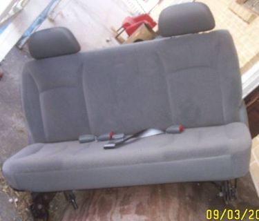 Dodge Grand Caravan middle  rear seats