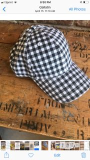 New Black and white checked cap