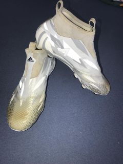 Youth/Adult Adidas size 6 Soccer Cleats