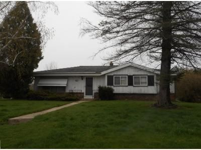 3 Bed 1.5 Bath Preforeclosure Property in Sussex, WI 53089 - Lilac Dr