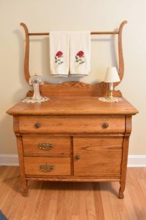 Terryville, CT Single Owner Home Decor..
