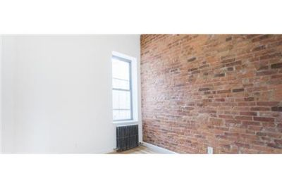 2 bedrooms, Apartment - in a great area. Washer/Dryer Hookups!