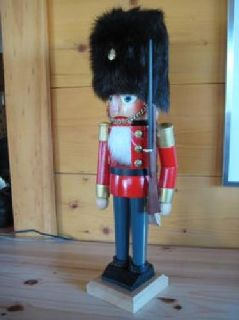 "$80 Price Reduced!! Steinbach Nutcracker #S-711 ""Garde"""