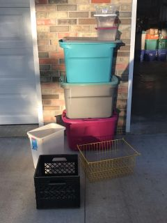 LOT OF STORAGE CONTAINERS AND ORGANIZERS
