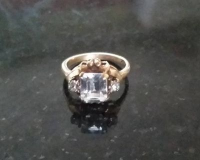 Ring - 10K with Crystals - Size 5