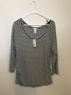 NWT H&M Maternity 3/4 sleeve top