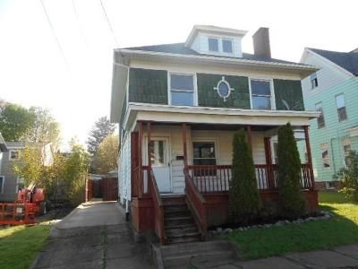 4 Bed 1 Bath Foreclosure Property in Erie, PA 16503 - Wallace St