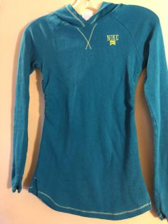 Girls Nike thermal with hood size L (12-14)