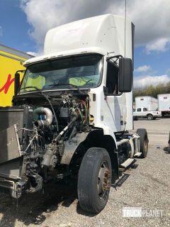 2012 Volvo VNM S/A Day Cab Truck Tractor