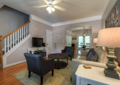 $2000 2 townhouse in Nashville Central