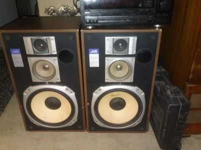JVC house speakers and JVC Receiver