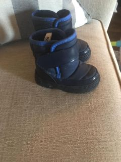 Snow boots toddler
