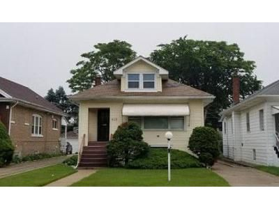 2 Bed 1 Bath Foreclosure Property in Maywood, IL 60153 - S 19th Ave