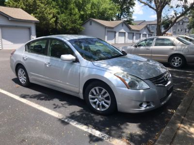 2012 Nissan Altima sr 89k Miles *NEEDS NEW AND PROGRAMMED KEY FOB* CLEAN REBUILT TITLE**