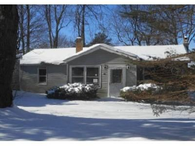 2 Bed 1 Bath Foreclosure Property in Nassau, NY 12123 - Valley Stream Rd