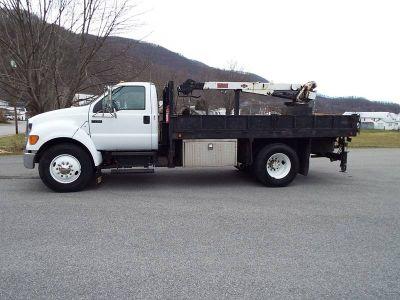 $15,900, 2006 Ford F750 XLT