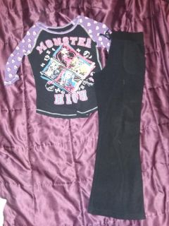 Size 7/8 monster high outfit