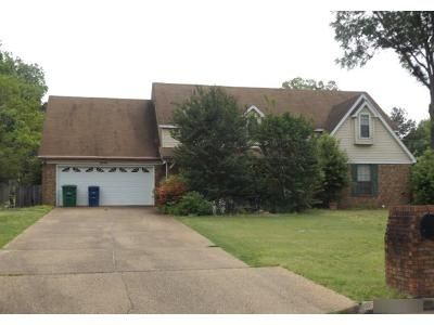 4 Bed 3 Bath Preforeclosure Property in Germantown, TN 38138 - Circle Gate Dr