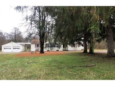 3 Bed 1.5 Bath Preforeclosure Property in Youngstown, OH 44515 - N Four Mile Run Rd