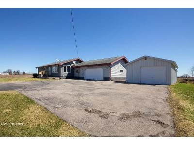 3 Bed 1.5 Bath Foreclosure Property in Cecil, WI 54111 - County Road C
