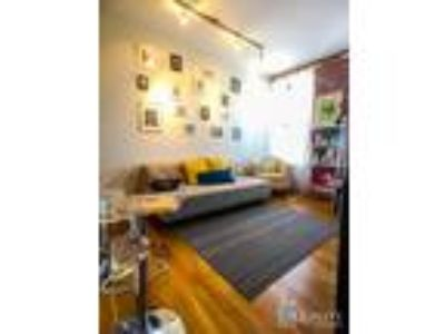 $3600 - AWESOME QUEEN Two BR **Exposed Brick**Private Washer & Dryer**