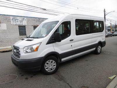 """2018 Ford Transit Passenger Wagon T-350 148"""" Med Roof XLT Slidin (Oxford White)"""