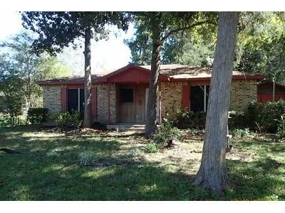 2 Bed 1 Bath Foreclosure Property in Montgomery, TX 77316 - Pine Point Dr