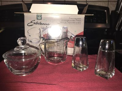 7 piece glass table set New In box