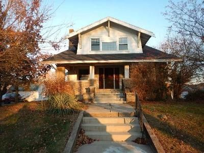 2 Bed 1 Bath Foreclosure Property in Marengo, IA 52301 - Court Ave