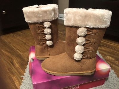 NEW IN BOX GIRLS S.O. BOOTS SIZE 3