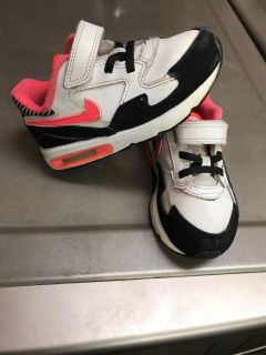 Toddler size 9 Nike air max shoes hot pink white black