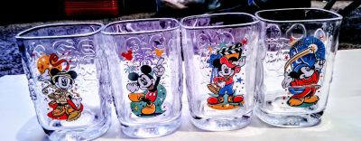 Pick up now$30 obo brand new set of 4 vintage McDonald's Disney Mickey millennium 2000 glasses