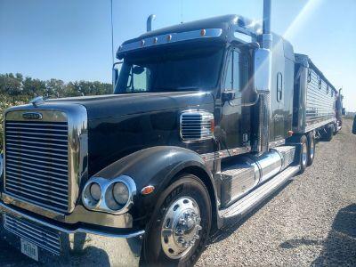 2011 Freightliner Coronado 132