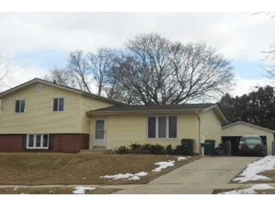 3 Bed 1 Bath Foreclosure Property in West Bend, WI 53095 - S 17th Ave