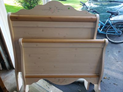 Twin headboard set with boards and hardware