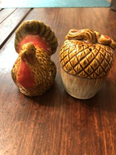 Fall salt and pepper shakers