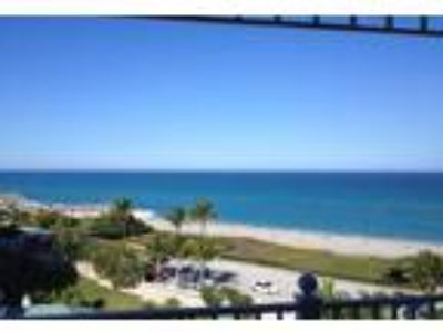 Two BR Vacation Condo in Jupiter Beach, FL