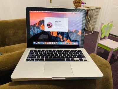 Apple MacBook Pro 13inch , 8gb Ram , 500gb HDD