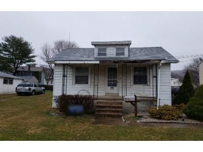 3 Bed 1 Bath Preforeclosure Property in Reading, PA 19605 - Montrose Ave